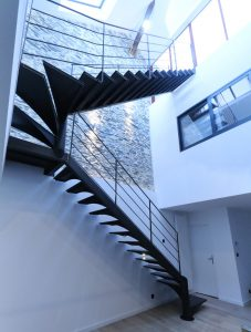 Escaliers droits métalliques sur deux étages design RP métal creation Blanchard google wordpress
