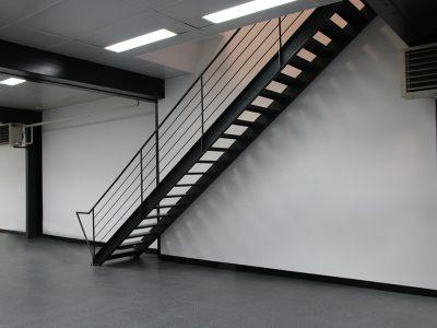 Escaliers droits métalliques en loft design RP métal creation Blanchard google wordpress