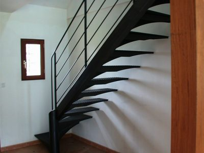 Escalier un quart tournant design RP métal creation Blanchard google wordpress