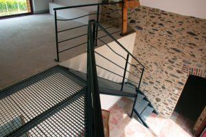 Escalier un quart tournant en acier