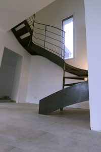 Escalier deux quart tournant Design en Acier