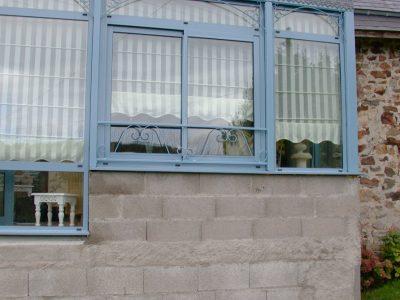 Rampe et Fenêtres en Acier Paint
